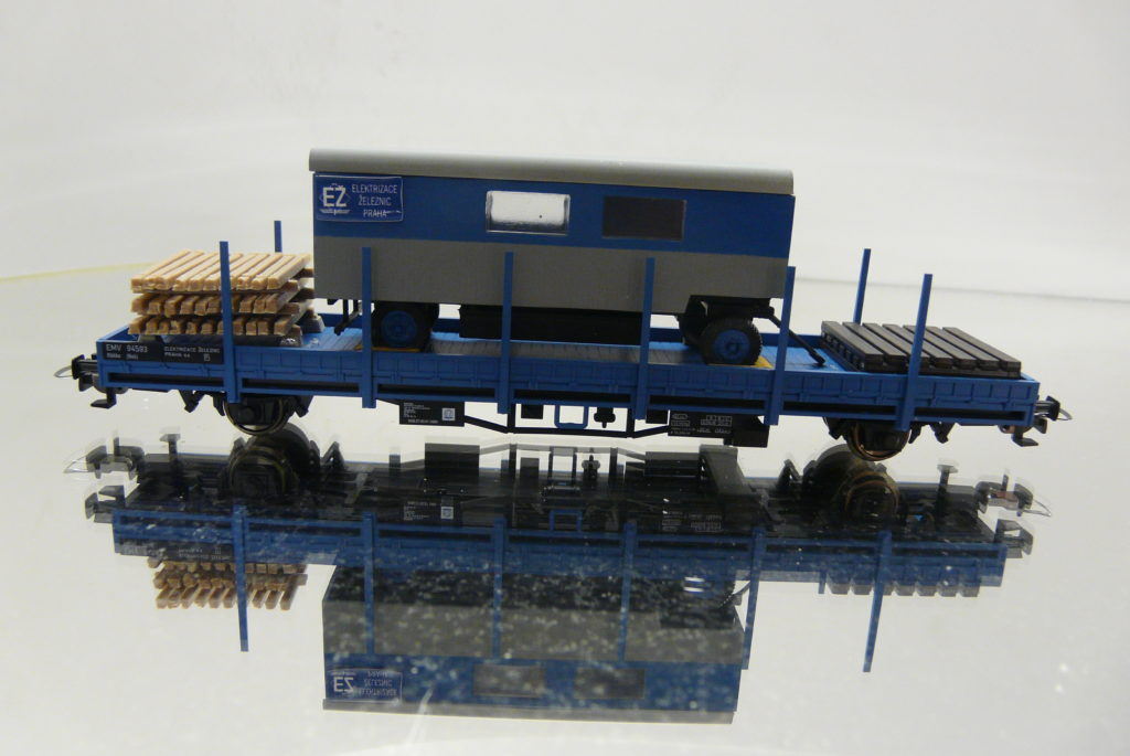 CStrain, EMV 94 593 +maringotka s podvalmi 38,-