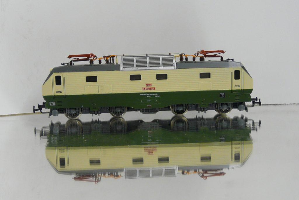 P1200449