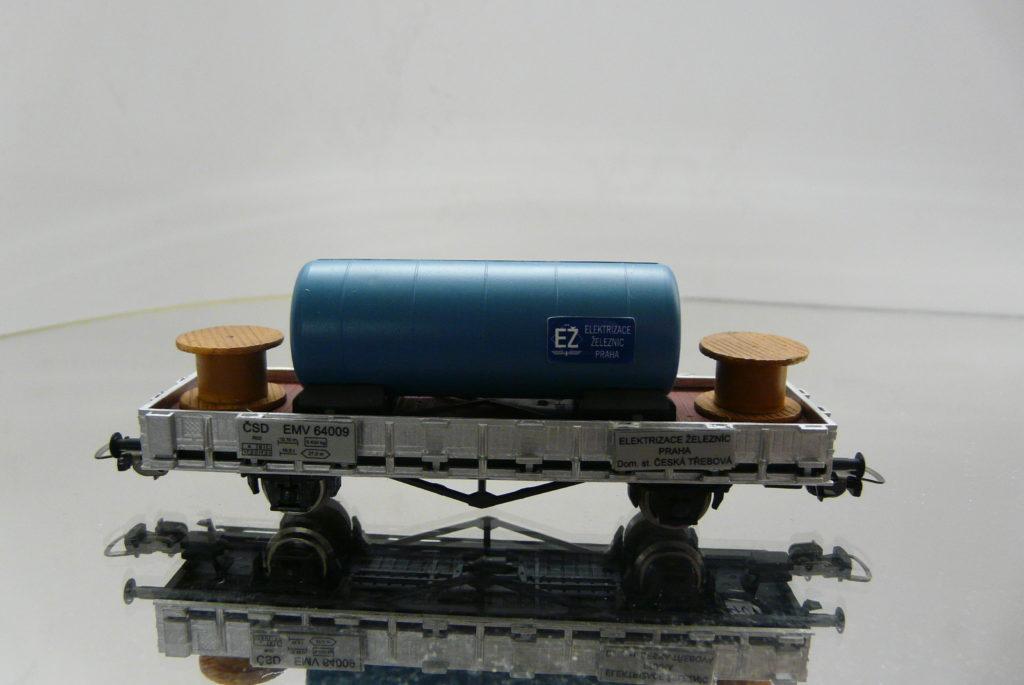 PIKO, EMV 64 009 +cisterna a 2ks cievky 28,-